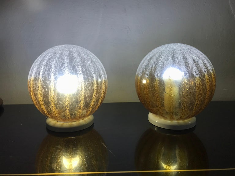 Late 20th Century Pair of Mid-Century Modern Table Lamp by Mazzega in Murano Glass, circa 1960 For Sale