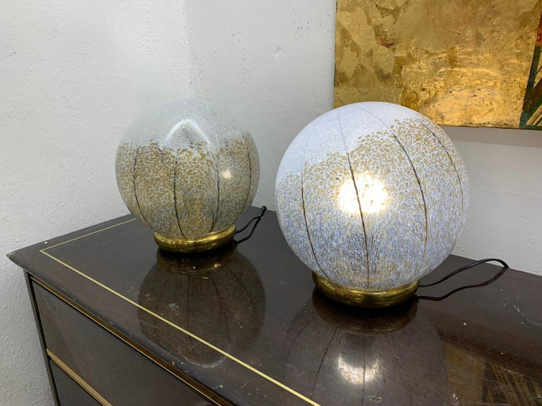 Hand-Crafted Pair of Mid-Century Modern Table Lamps by Mazzega in Murano Glass, circa 1970 For Sale