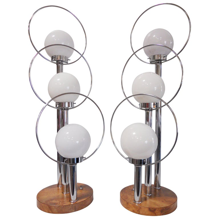 Pair of Mid-Century Modern Table Lamps For Sale