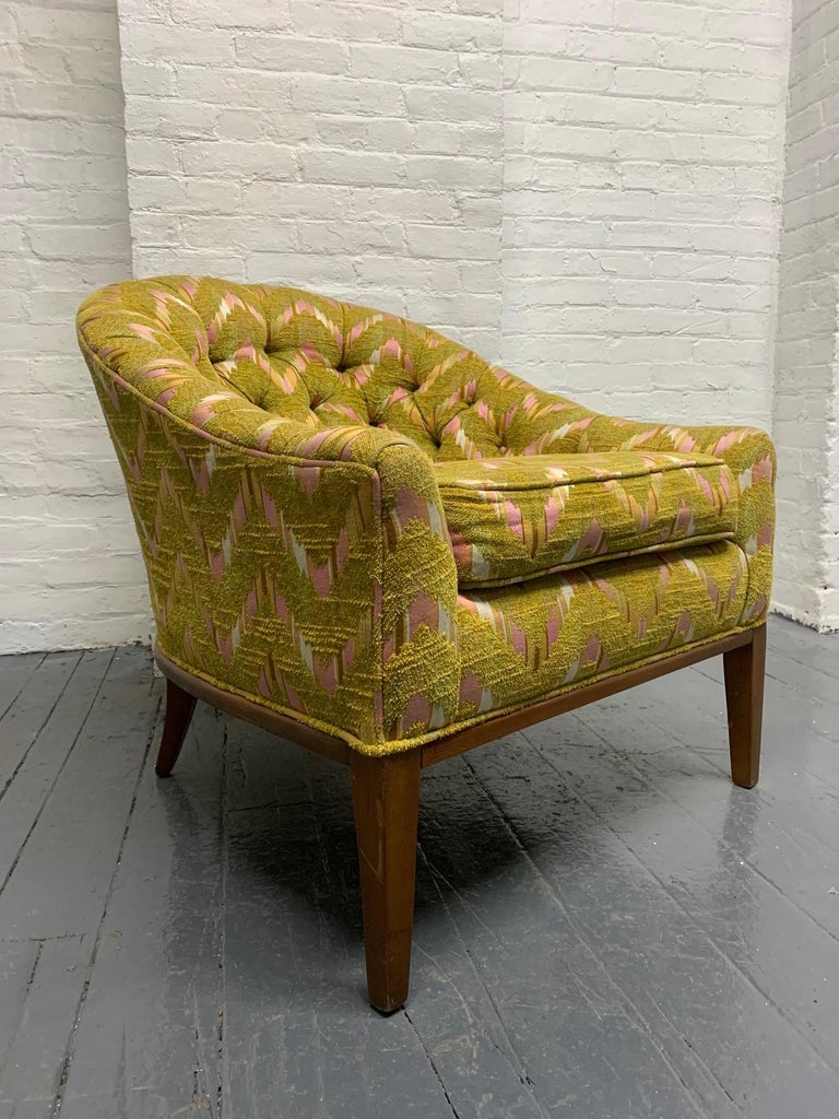 Mid-20th Century Pair of Mid-Century Modern Tufted Lounge Chairs For Sale