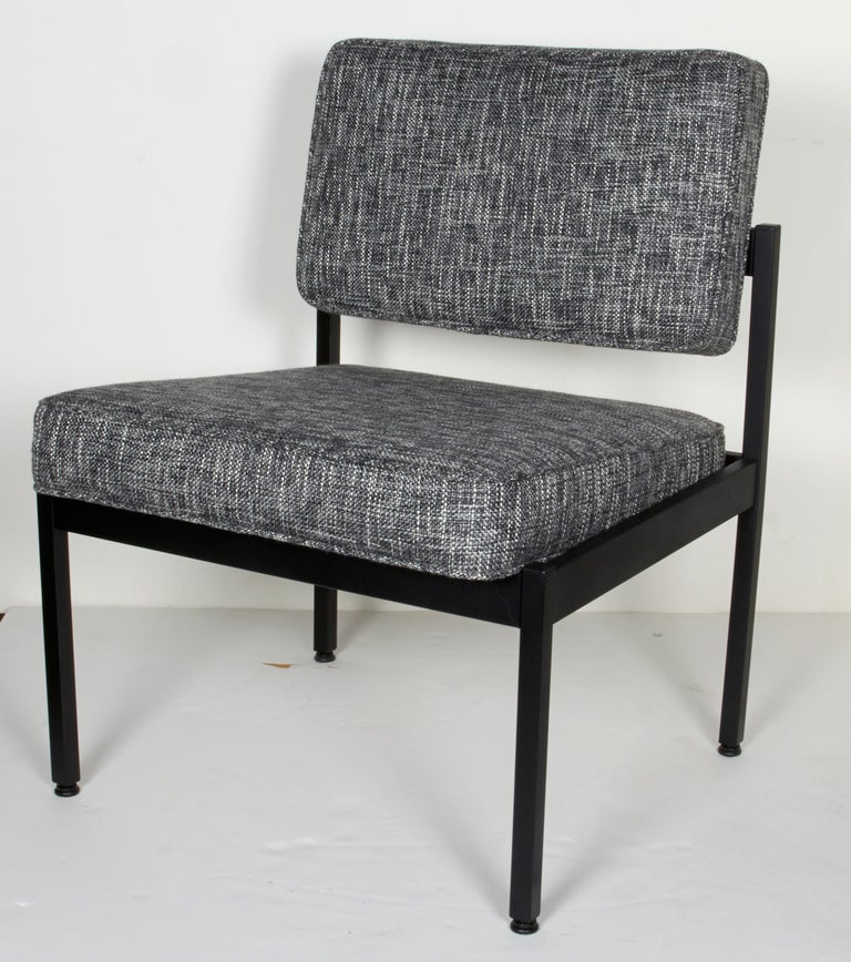 Pair of Mid-Century Modern Tweed Industrial Chairs in the Style of Knoll For Sale 3
