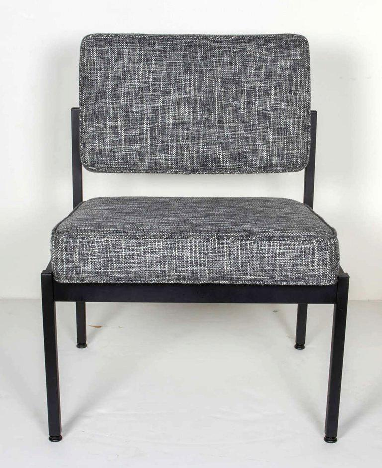 Pair of Mid-Century Modern Tweed Industrial Chairs in the Style of Knoll In Good Condition For Sale In Miami, FL