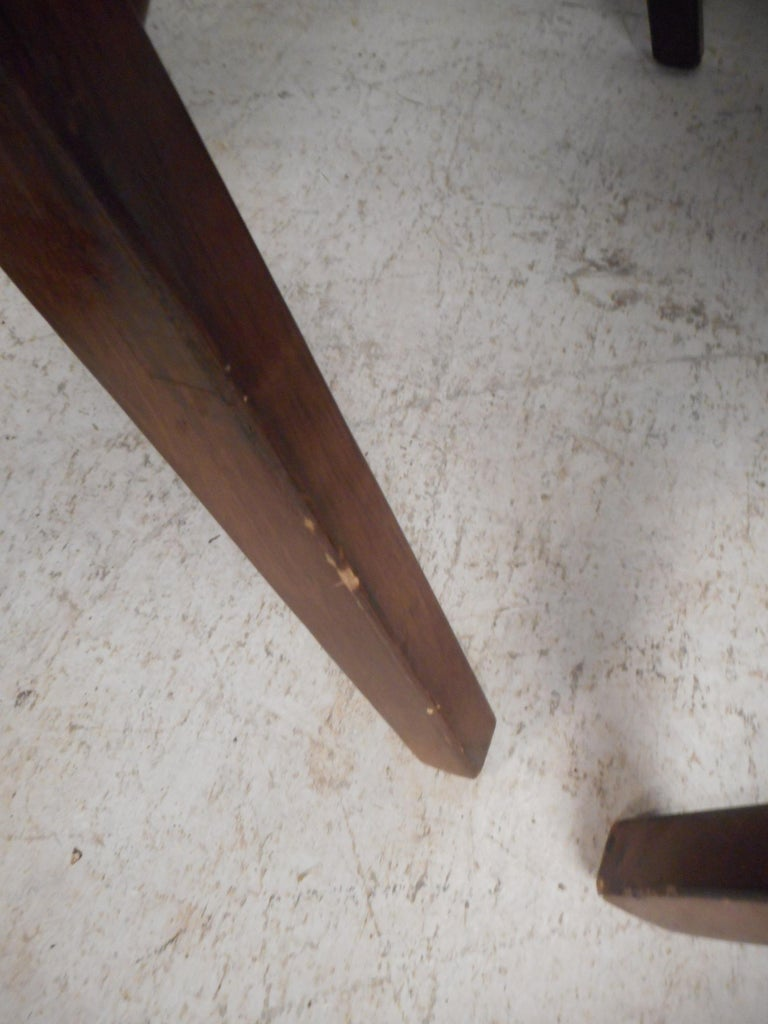 Pair of Mid-Century Modern Walnut Lounge Chairs For Sale 8