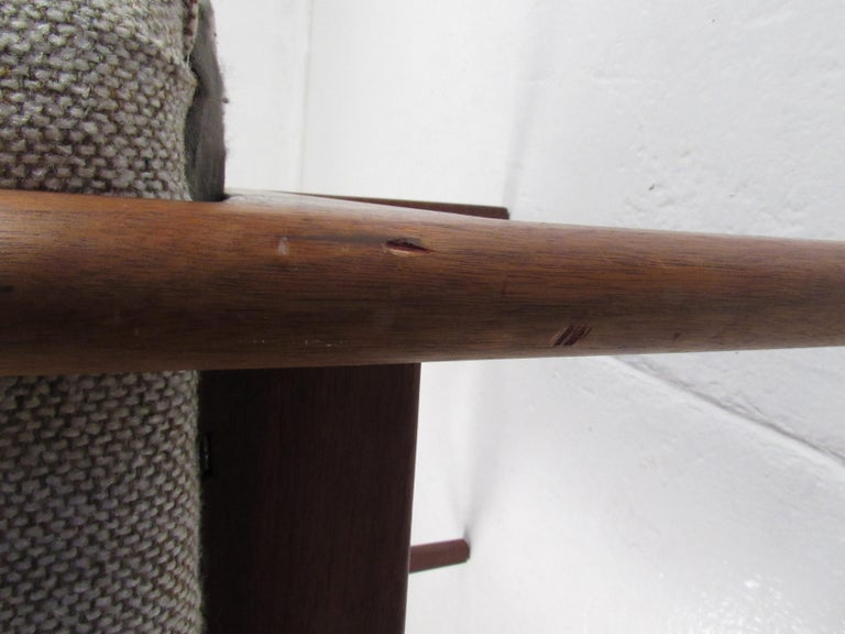 Pair of Mid-Century Modern Walnut Side Chairs For Sale 7