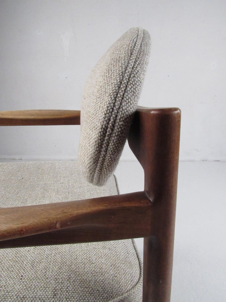Pair of Mid-Century Modern Walnut Side Chairs For Sale 14