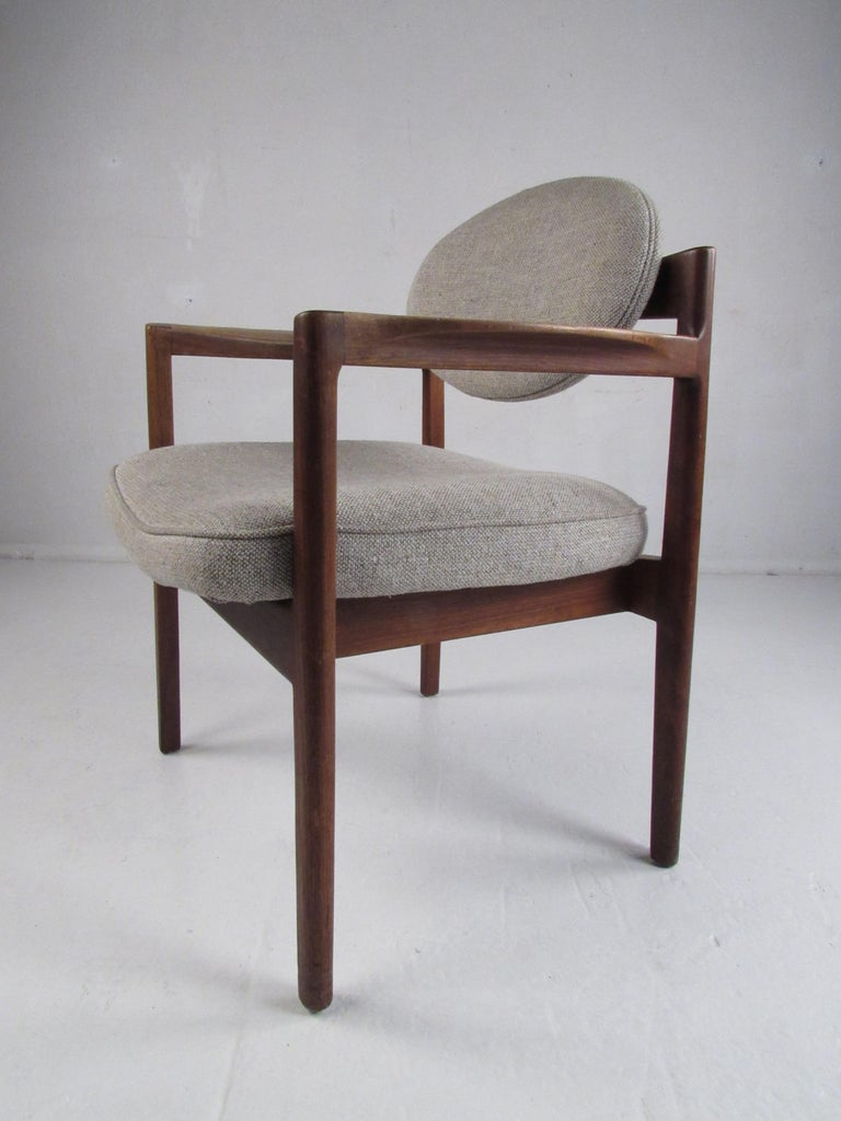 Upholstery Pair of Mid-Century Modern Walnut Side Chairs For Sale