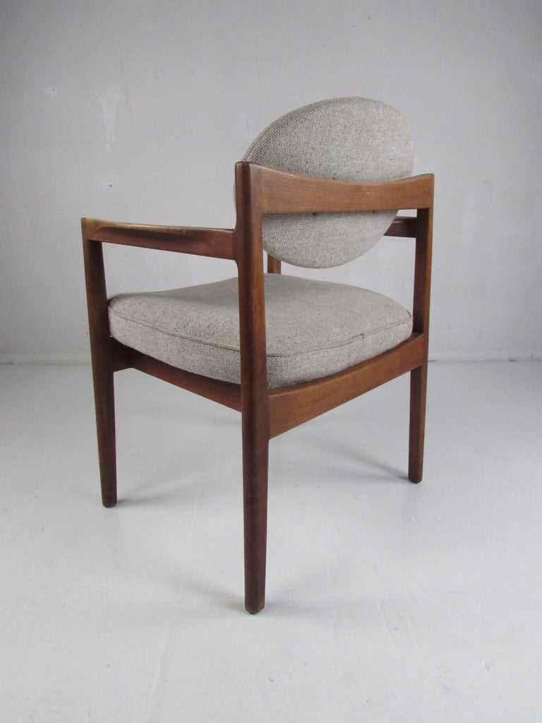 Pair of Mid-Century Modern Walnut Side Chairs For Sale 1