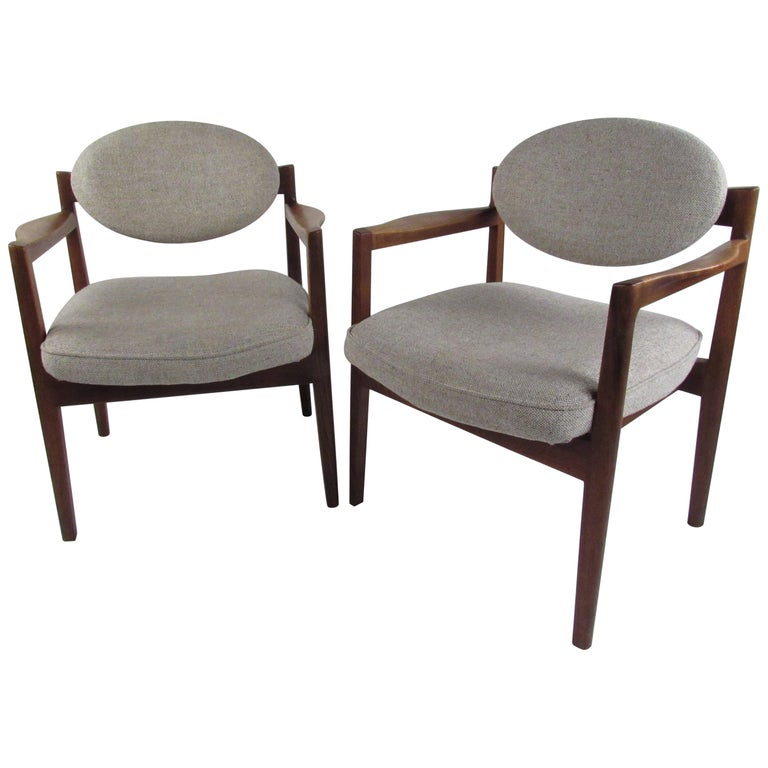 Pair of Mid-Century Modern Walnut Side Chairs For Sale