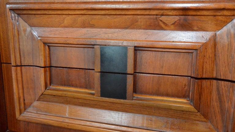 Pair Mid-Century Modern Walnut Veneer and Burl Wood Bedside Nightstands /Tables 3