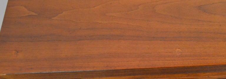 Pair Mid-Century Modern Walnut Veneer and Burl Wood Bedside Nightstands /Tables 7