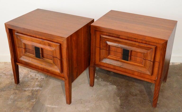 American Pair Mid-Century Modern Walnut Veneer and Burl Wood Bedside Nightstands /Tables