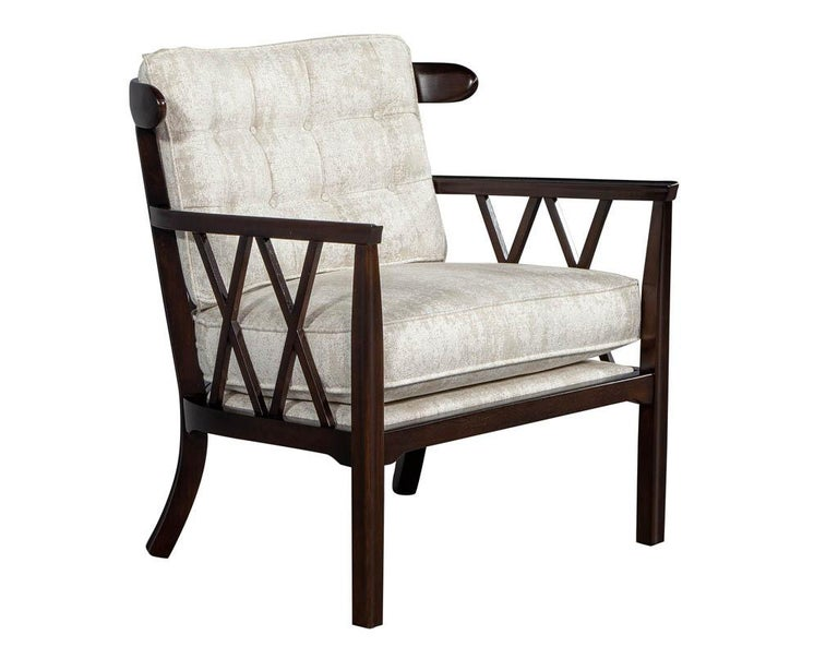 Pair of Mid-Century Modern Walnut X-Back Club Chairs In Excellent Condition For Sale In North York, ON