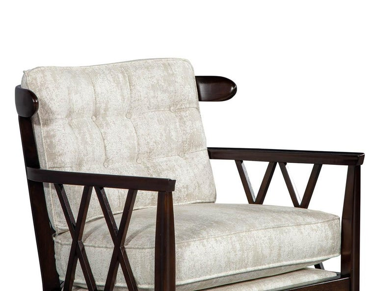Mid-20th Century Pair of Mid-Century Modern Walnut X-Back Club Chairs For Sale