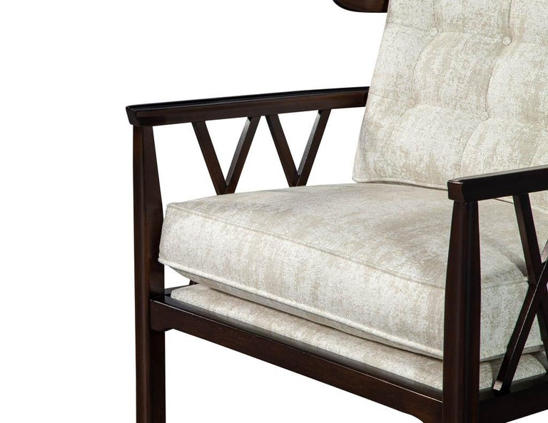Fabric Pair of Mid-Century Modern Walnut X-Back Club Chairs For Sale