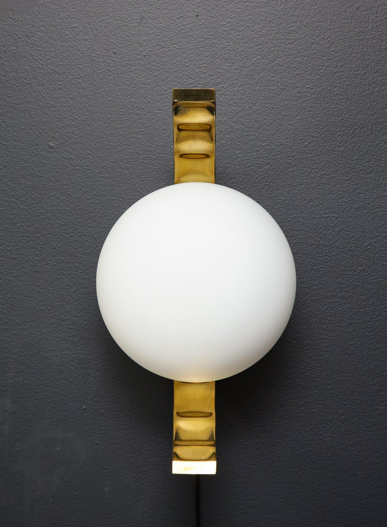 Hand-Crafted Pair of Mid-Century Modern White Globe and Brass Sconces, Italy For Sale