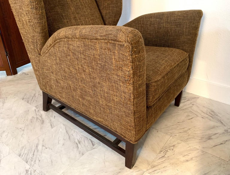 Pair of Italian Mid-Century Modern Wingback Lounge Chairs For Sale 1