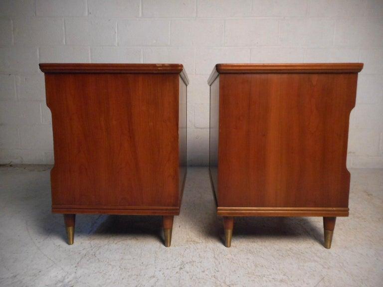American Pair of Midcentury Nightstands by John Widdicomb For Sale