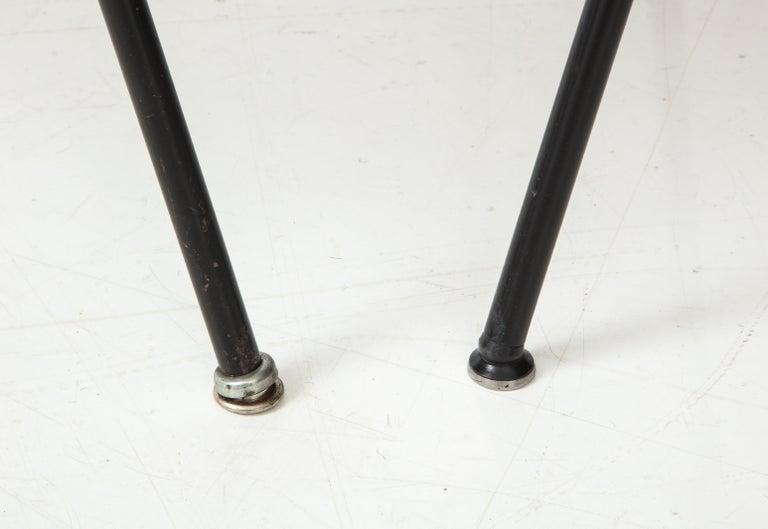 Pair of Midcentury SE-68 Chairs by Egon Eiermann in Original Cowhide For Sale 1
