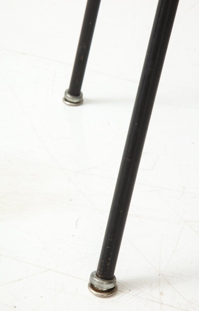 Pair of Midcentury SE-68 Chairs by Egon Eiermann in Original Cowhide For Sale 2