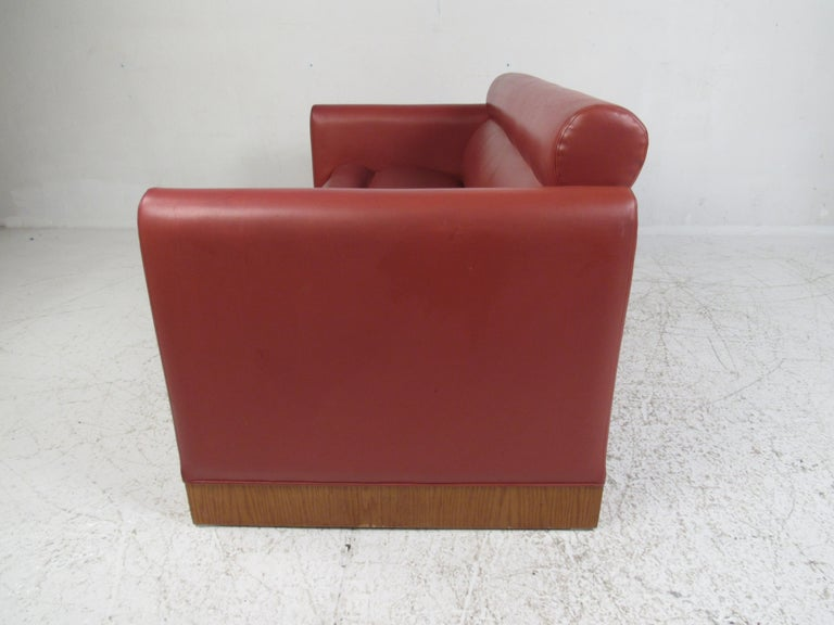 Pair of Midcentury Settee's by Charlotte Chair Company In Good Condition For Sale In Brooklyn, NY