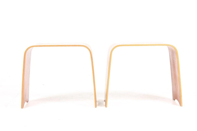 Scandinavian Modern Pair of Midcentury Side tables in Teak by Fritz Hansen, Made in Denmark, 1960s For Sale