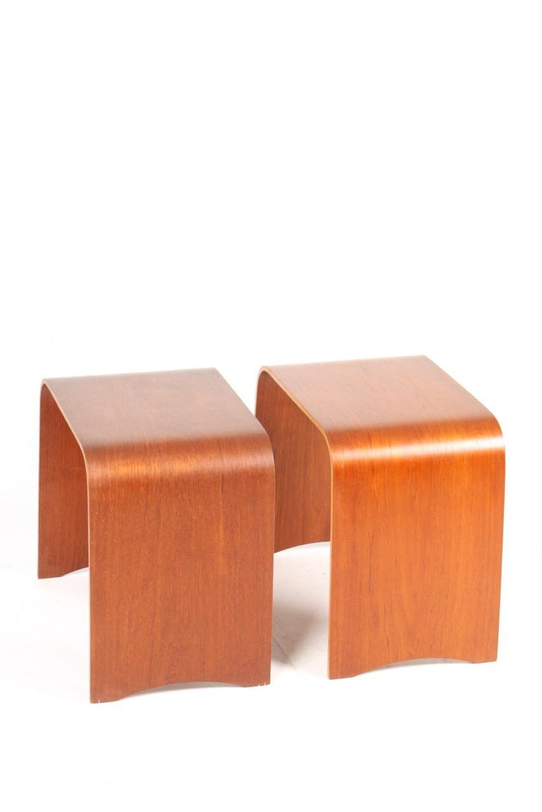 Pair of Midcentury Side tables in Teak by Fritz Hansen, Made in Denmark, 1960s For Sale 1