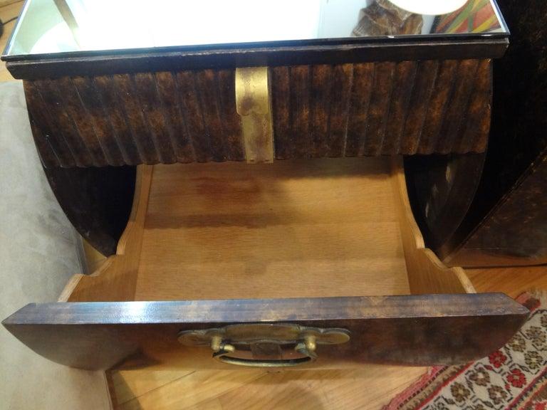 Pair of Mid-Century Signed John Widdicomb Nightstands For Sale 7