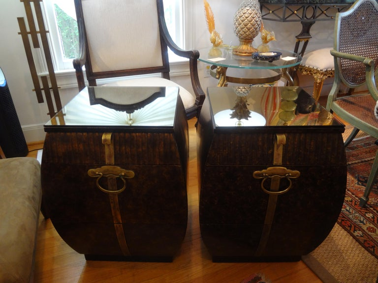 Pair of Mid-Century Signed John Widdicomb Nightstands In Good Condition For Sale In Houston, TX