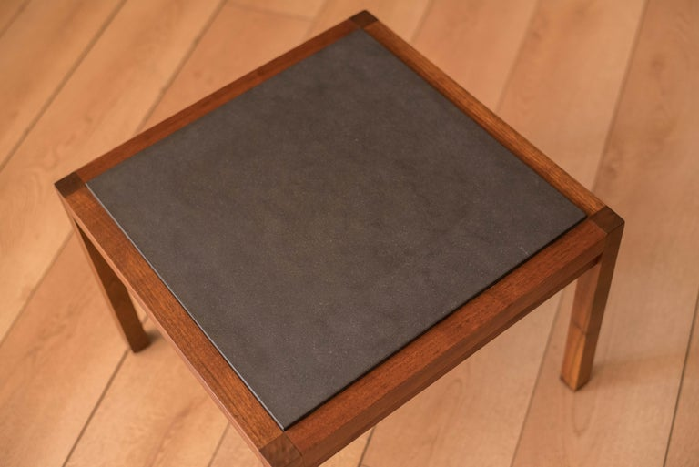 Pair of Midcentury Slate and Walnut End Tables by Jack Cartwright for Founders In Good Condition For Sale In San Jose, CA