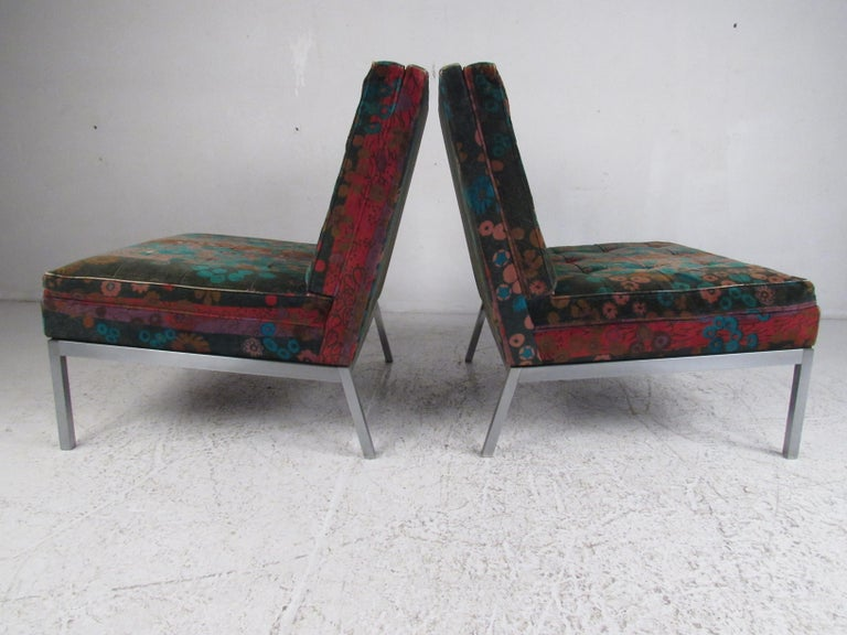 Mid-Century Modern Pair of Midcentury Slipper Lounge Chairs by Knoll Associates Inc For Sale