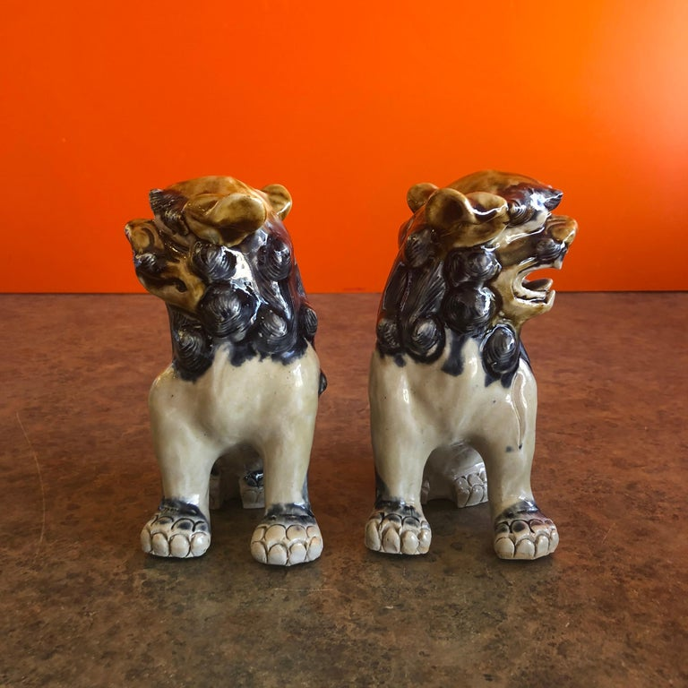 Glazed Pair of Midcentury Stoneware Foo Dogs / Bookends For Sale