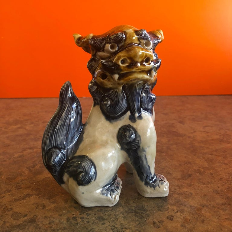 Pair of Midcentury Stoneware Foo Dogs / Bookends In Good Condition For Sale In San Diego, CA