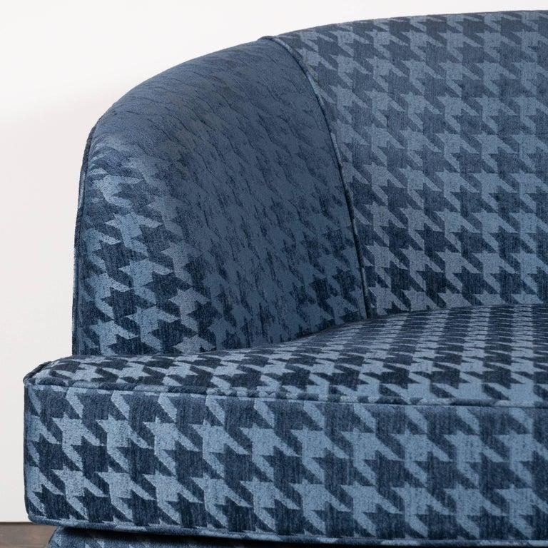 Mid-Century Modern Pair of Mid Century Swivel Chairs on Ebonized Walnut Bases by Milo Baughman For Sale
