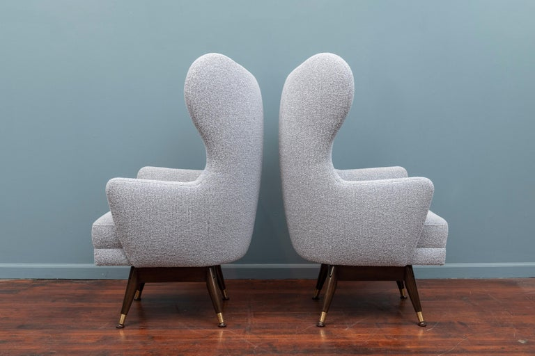 Mid-Century Modern Pair of Midcentury Swivel Lounge Chairs For Sale