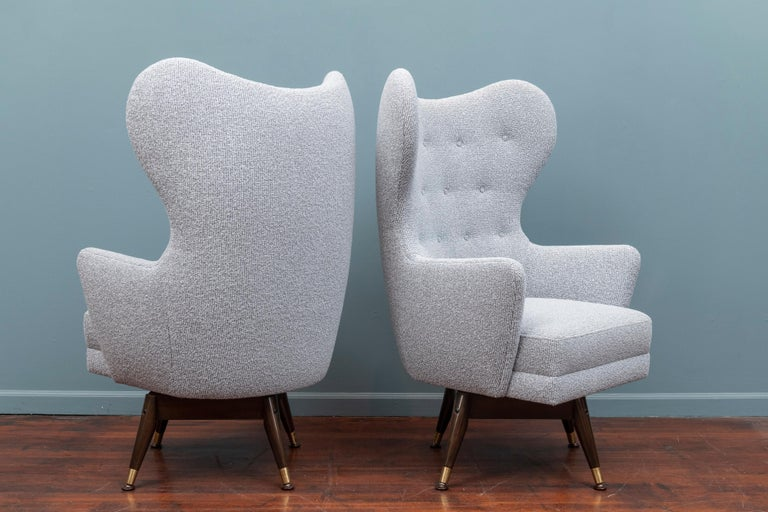 Pair of Midcentury Swivel Lounge Chairs In Excellent Condition For Sale In San Francisco, CA