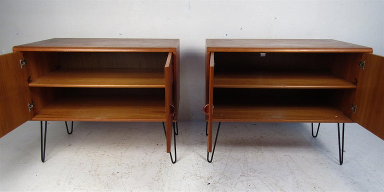 Pair of Midcentury Teak Cabinets with Hairpin Legs In Good Condition For Sale In Brooklyn, NY