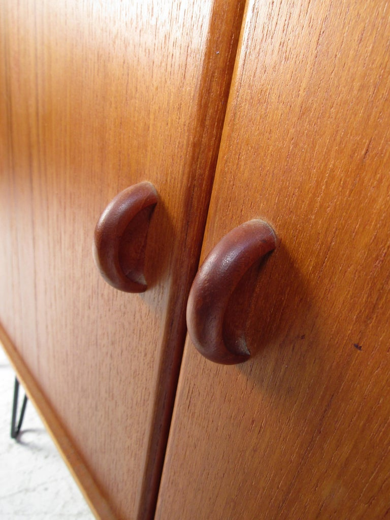 Mid-20th Century Pair of Midcentury Teak Cabinets with Hairpin Legs For Sale