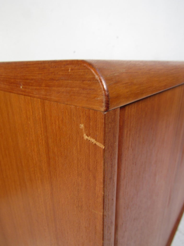 Pair of Midcentury Teak Cabinets with Hairpin Legs For Sale 2