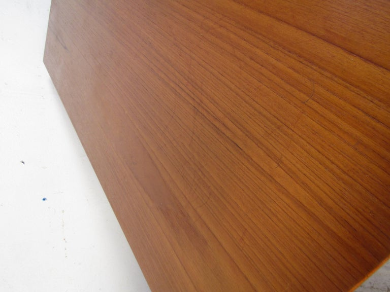Pair of Midcentury Teak Cabinets with Hairpin Legs For Sale 3