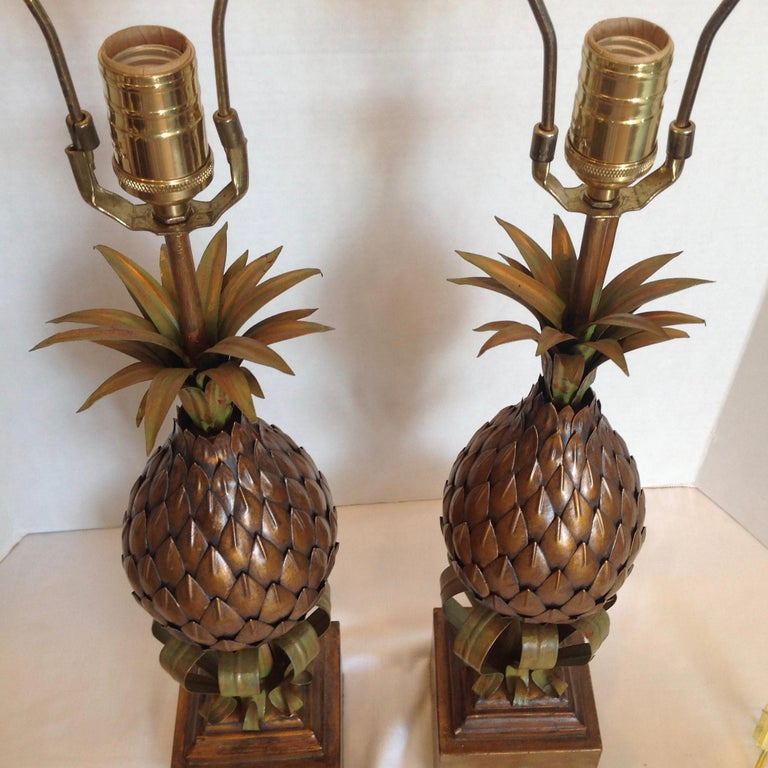 Pair of Midcentury Tole Pineapple Lamps For Sale 3