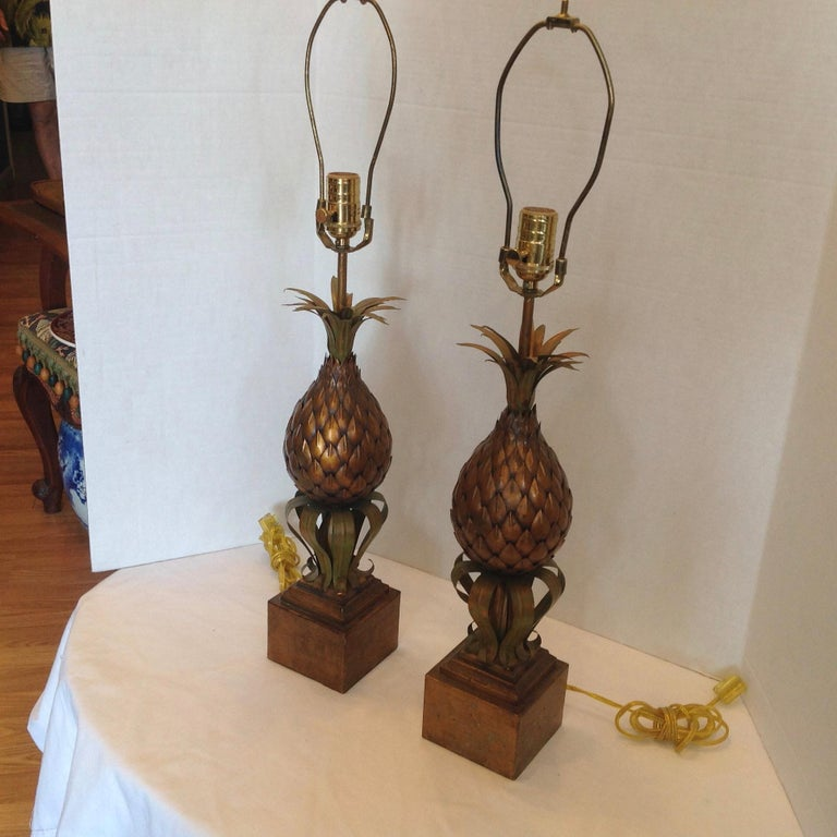 Mid-Century Modern Pair of Midcentury Tole Pineapple Lamps For Sale