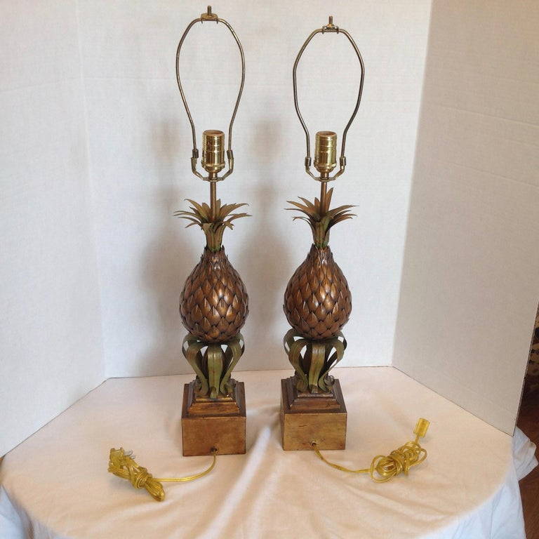 Italian Pair of Midcentury Tole Pineapple Lamps For Sale