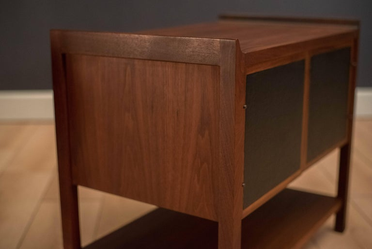 Pair of Mid Century Walnut Nightstands For Sale 2