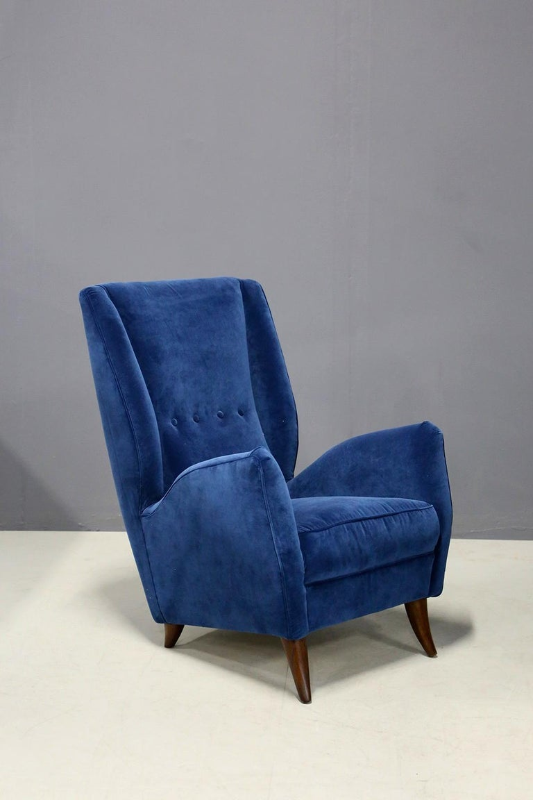 Italian Pair of Midcentury Armchairs Attributed by Gio Ponti in Velvet, 1950s