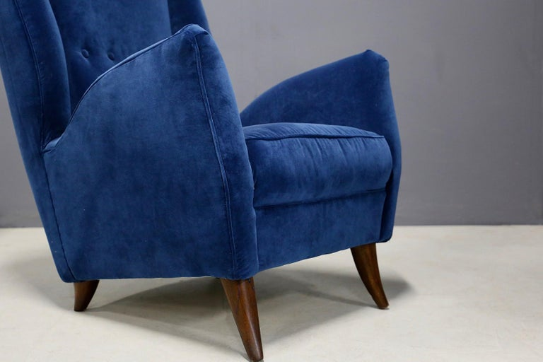Pair of Midcentury Armchairs Attributed by Gio Ponti in Velvet, 1950s In Good Condition In Milano, IT