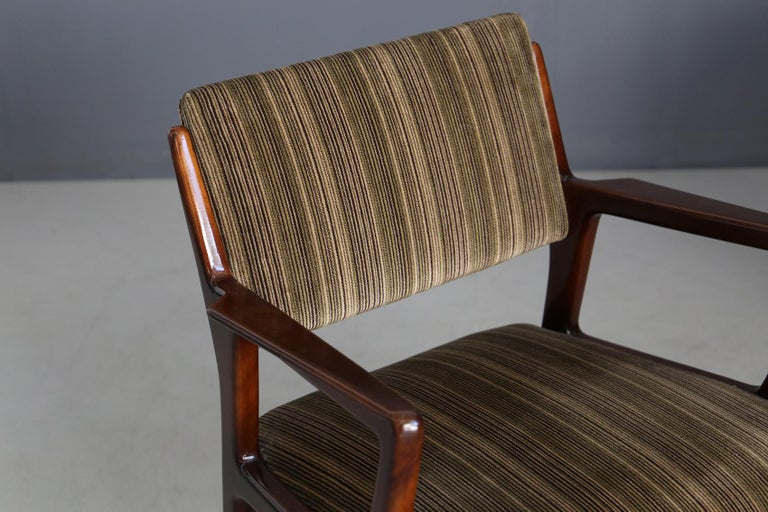 Mid-Century Modern Pair of Midcentury Armchairs Attributed to Gio Ponti in Original Velvet, 1950s For Sale