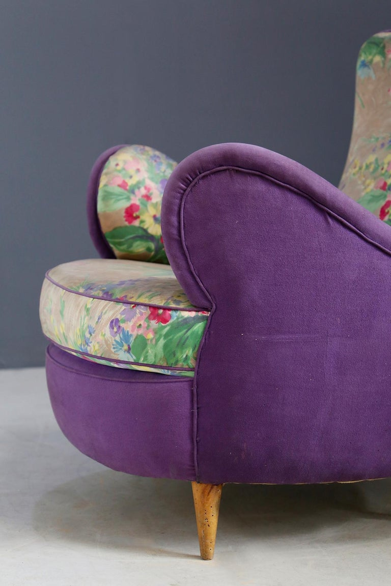 Pair of Midcentury Armchairs Attributed to Rito Valla Fabric Fede Cheti Purple For Sale 3