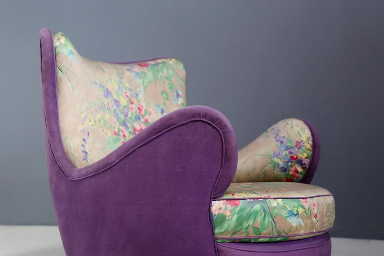 Italian Pair of Midcentury Armchairs Attributed to Rito Valla Fabric Fede Cheti Purple For Sale