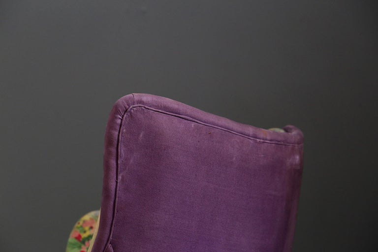 Pair of Midcentury Armchairs Attributed to Rito Valla Fabric Fede Cheti Purple In Good Condition For Sale In Milano, IT