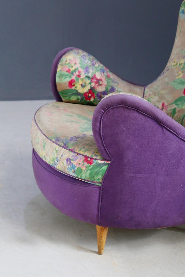 Pair of Midcentury Armchairs Attributed to Rito Valla Fabric Fede Cheti Purple For Sale 1